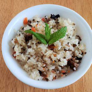 ötfűszeres gombás rizs